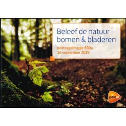 2019 Nederland 2 postzegelmapjes | Beleef de natuur, Bomen en bladeren